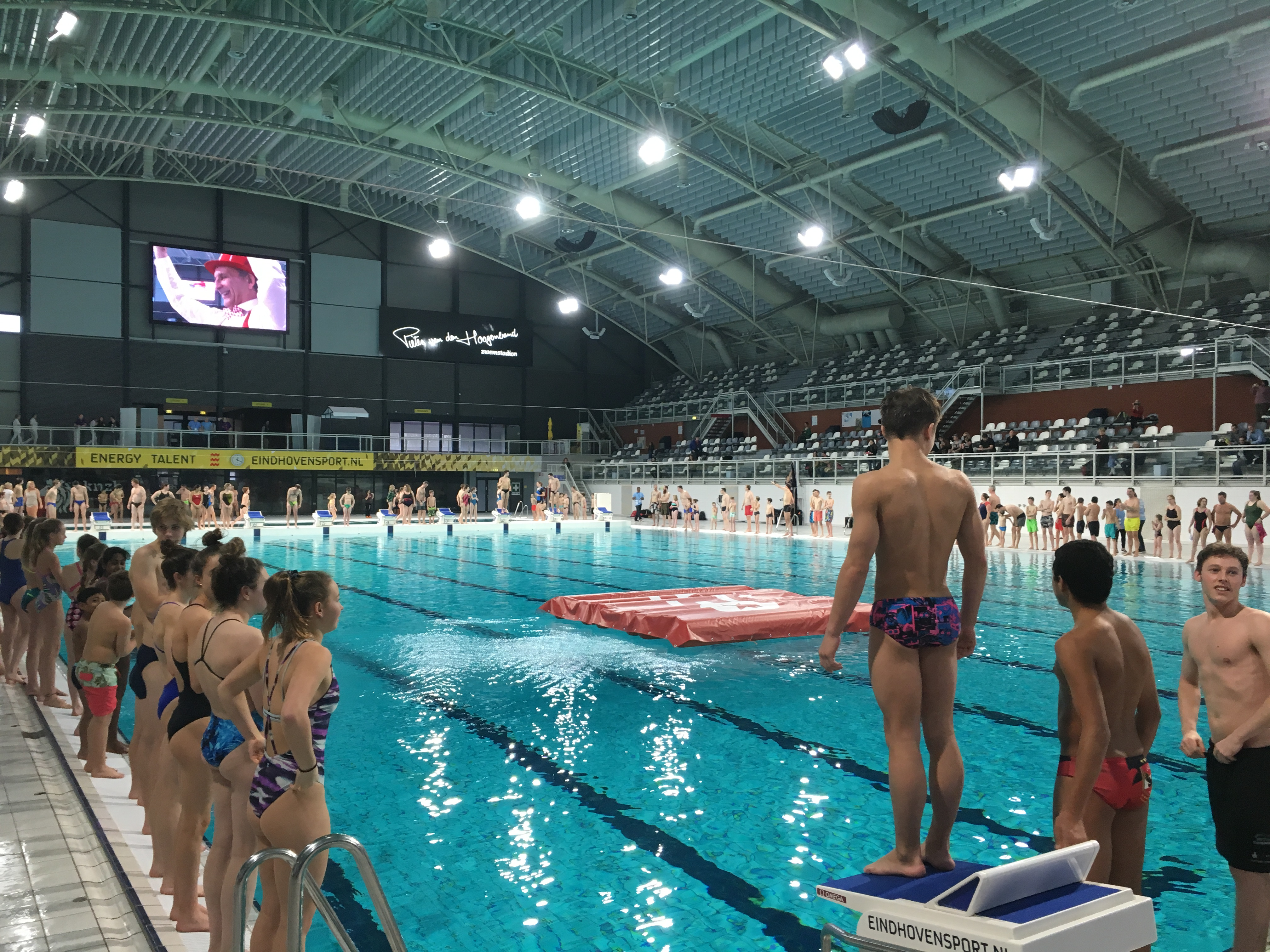 World Record Most Cannonball Dives At The Same Time 281 People In The Water Eindhoven Diving Cup Eindhoven Diving Cup